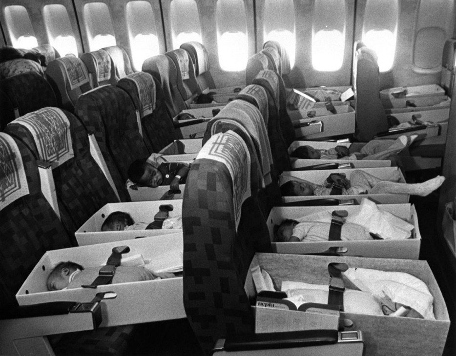 War%20orphaned%20Vietnamese%20babies%20are%20flown%20to%20LAX.%20%5BApril%2012%2C%201975%5D