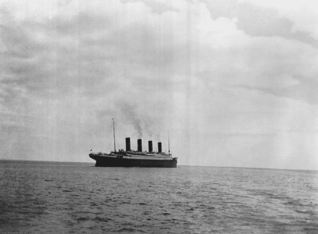 22.) 1912 - The last photo of the Titanic before it sunk.