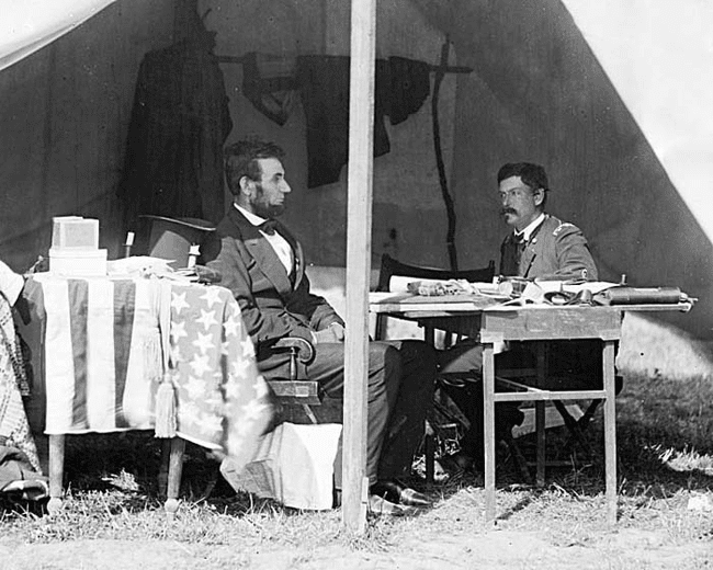 25.) 1862 - Abraham Lincoln and General George McClellan.