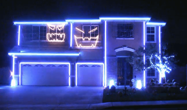 This Halloween Light Show Crushes All Of The Others
