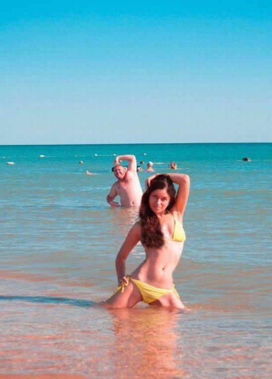 beach-photobomb-1