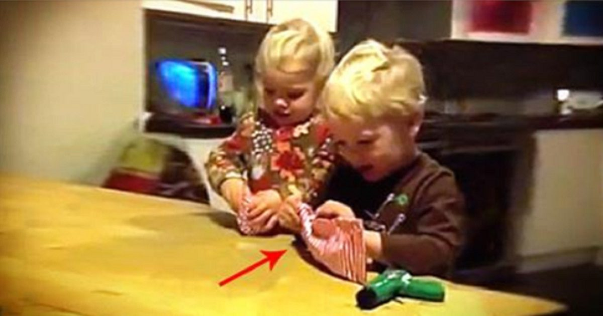 This Dad Gave Their Kids Terrible Christmas Gifts, Their Reactions ...