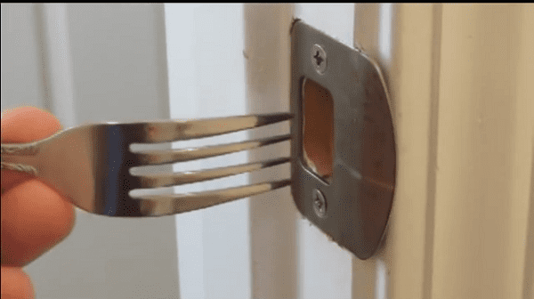 See Why Poking A Fork In A Door Lock Might Come In Handy