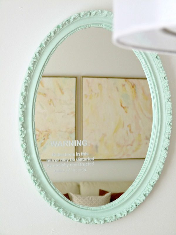 17 Ways To Reuse That Broken Picture Frame Instead Of Throwing It Away