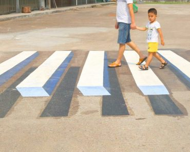 pedestrian painting in India