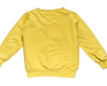 the baggy yellow shirt