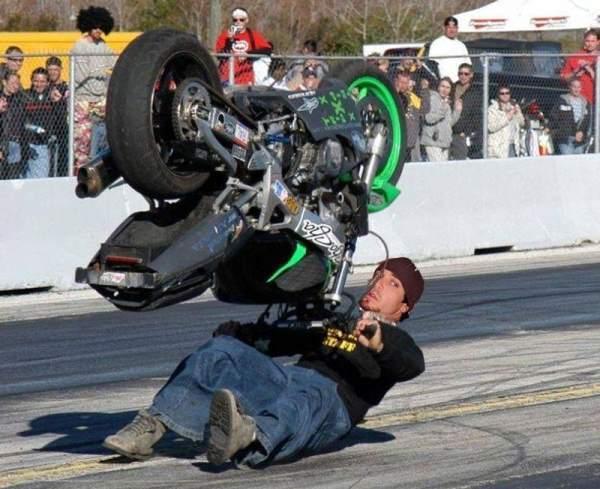 motorcycling-perfect-timing