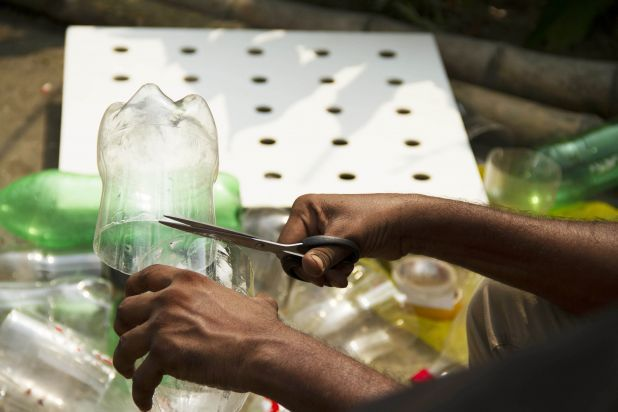 How To Build Your Own Air Conditioner Using Just Plastic
